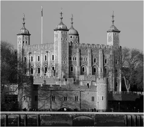 Tower of London - Castles, Palaces and Fortresses