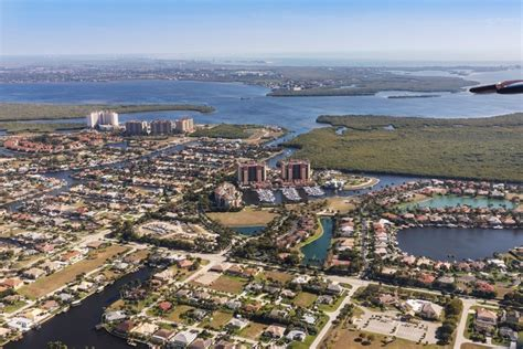 Largest Cities in Florida by Population and Area 2019